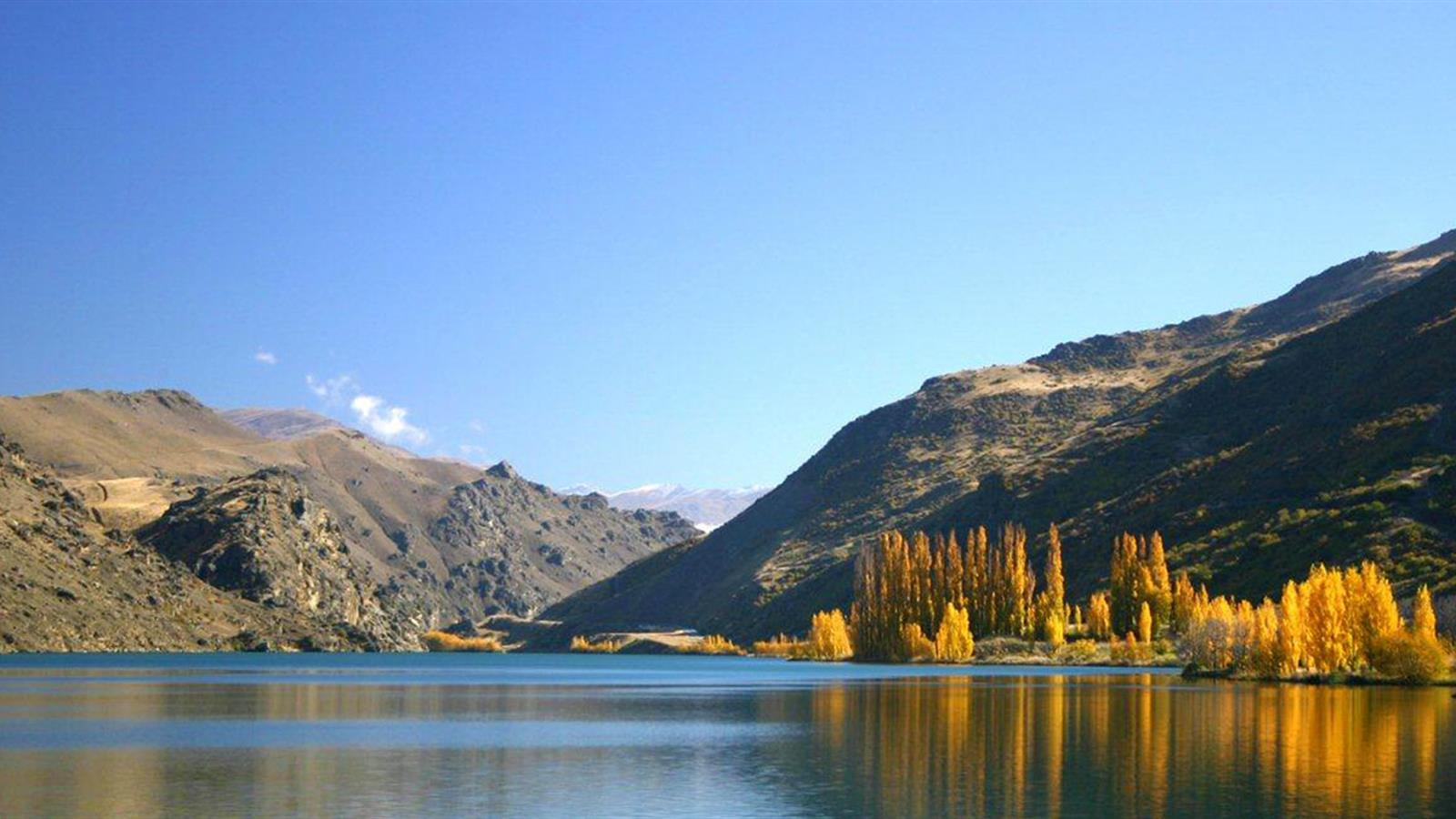 about queenstown Looking for queenstown find out information about queenstown republic of ireland: see cóbh cóbh , town , co cork, s republic of ireland, on the south shore of great island in cork harbour.